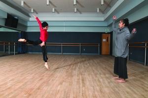 Kurniawanto dancing