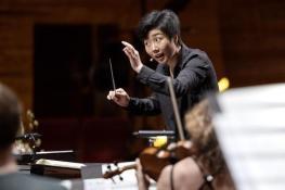 Linhan Cui conducting